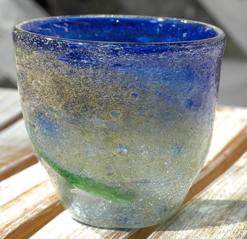 茶泡波巻宙吹ロックグラス青 ¥3.800(税抜)